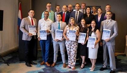 Diploma uitreiking Aruba november 2019 NSPOH